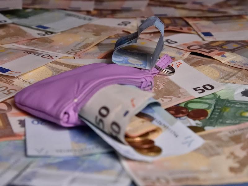 I soldi non sono tutto... di utente cancellato