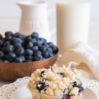 Homemade Blueberry Muffins with Crumb Topping Recipe