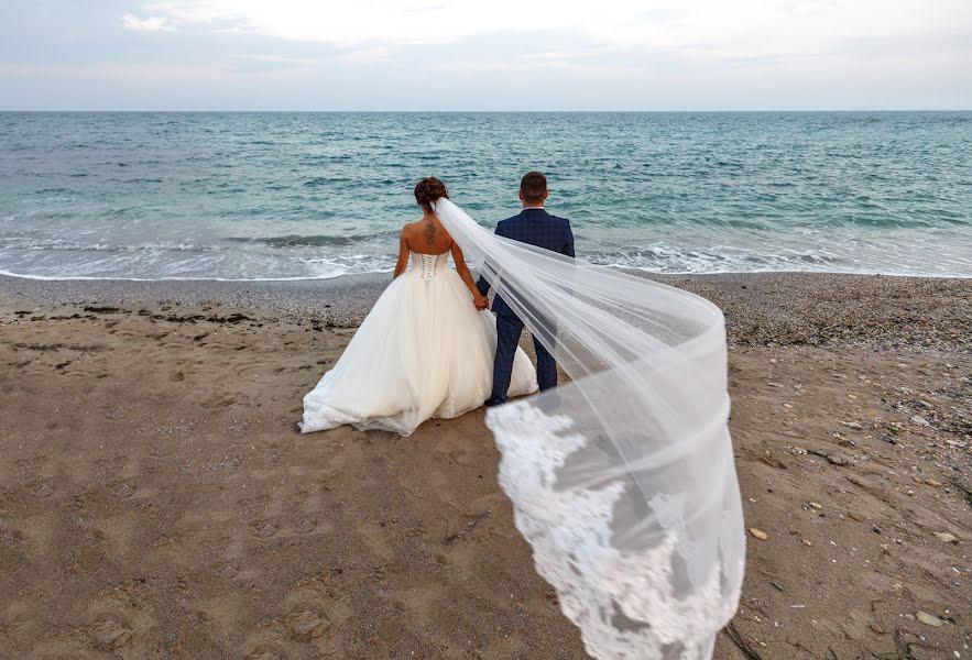 Wedding photographer Deyan Romanov (dromanov). Photo of 19.12.2018