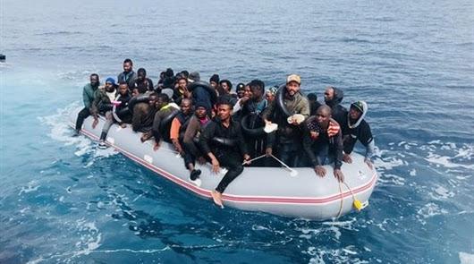 Los 58 ocupantes viajaban en una infraembarcación.
