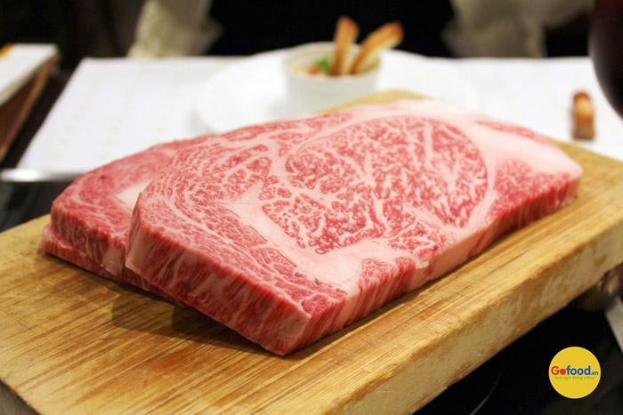 Thăn lưng bò Kobe