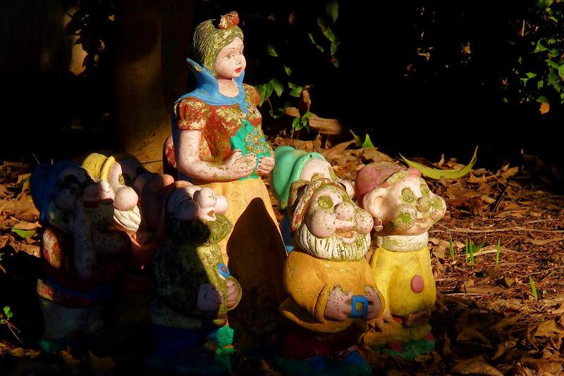 Kitsch in giardino di Justinawind