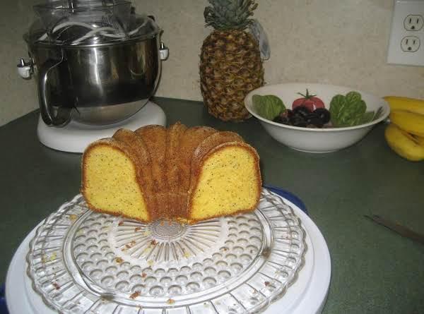 Lemon Poppie Seed Brown Sugar Pound Cake Recipe