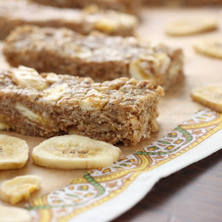 Peanut Butter Banana Chip Granola Bars