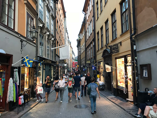 Stockholm-cobblestone-street.jpg - A  street with cobblestones dating to the 1500s in Gamla stan, the historic old town of Stockholm.