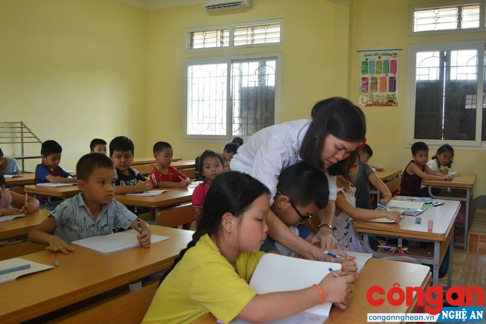 Trẻ em thích thú tham gia các lớp kỹ năng sống