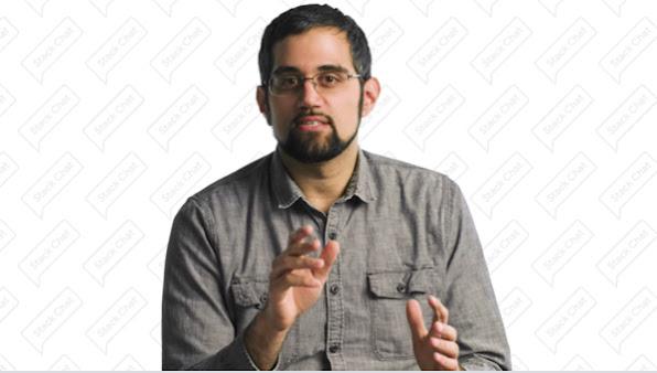 Homem usando óculos