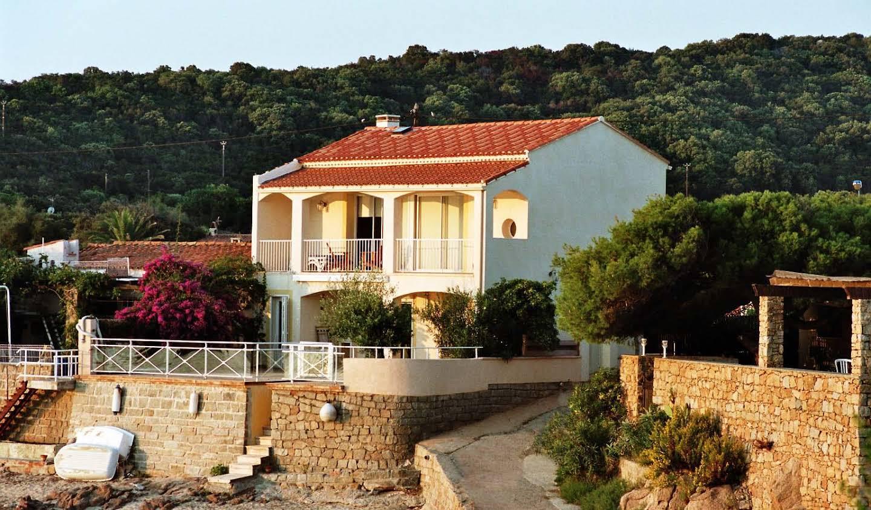 Villa en bord de mer avec terrasse Pietrosella