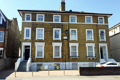 Wellesley Apartments near West Croydon
