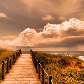 VILA PRAIA DE ANCORA by Ed  von Ems - Landscapes Waterscapes