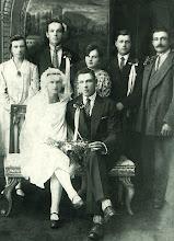 Photo: Gusčiaus Vaclovo (g. 1906 m.) ir Kukulskytės Stanislavos vestuvės. Iš kairės viršuje: Kukulskytė (jaunosios sesuo), Gusčius Julijonas, Kukulskienė, Kukulskis, Stuopelis Stanislovas (piršlys). Nuotrauka iš Vaclovo Gusčiaus asmeninio archyvo.