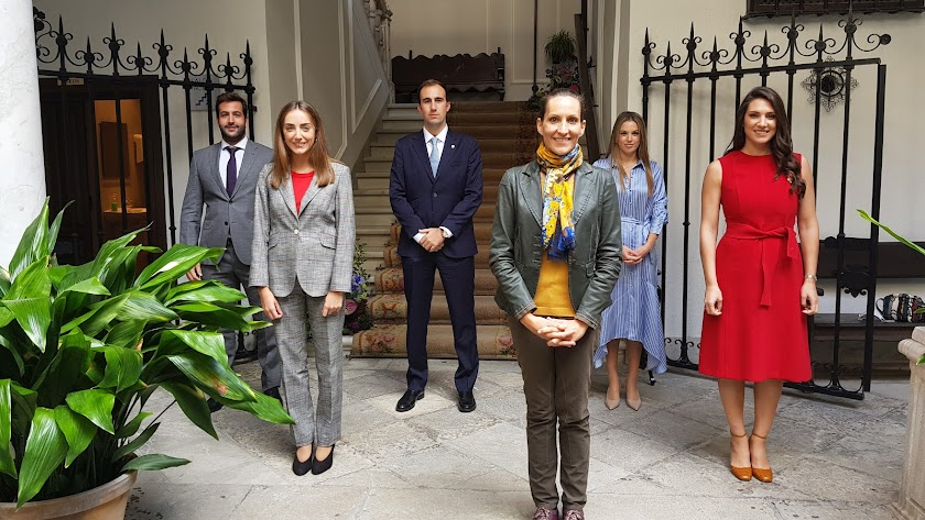 Las dos nuevas notarias de Almería toman posesión.