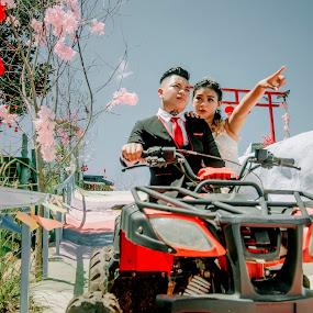 ceremony by Llurymhays Pwbs - Wedding Bride & Groom ( moment outdoor )