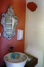 Photo: No banheiro. http://celiamartins.blogspot.com/
