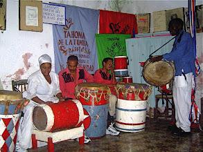 Photo: Tambours de tumba francesa de Santiago - danse mason - 2006 © Daniel Chatelain
