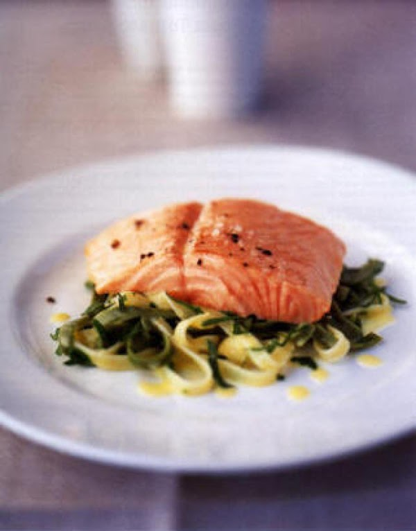 Using approx 1 1/4 cups or thick piece of salmon...Squeeze lemon juice over raw...