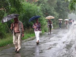 Photo: Spaziergang im Regen in der Heide bei Winkel