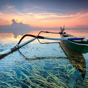 Colourful by I Komang Windu - Landscapes Waterscapes ( lights, waterscape, color, ocean, sunrise, beach, transportation, travel, boat, landscape, photography )