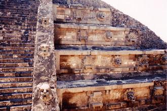 Photo: #002-Teotihuacan - La pyramide de la lune. Hauteur: 43m