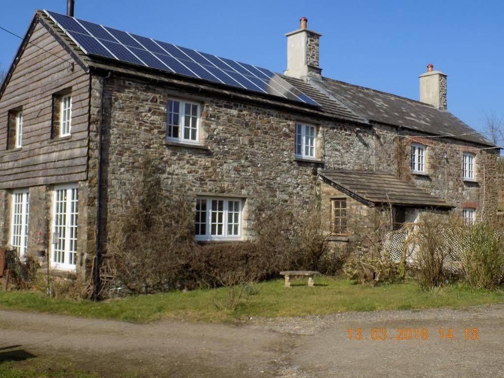 Holdstrong Farmhouse