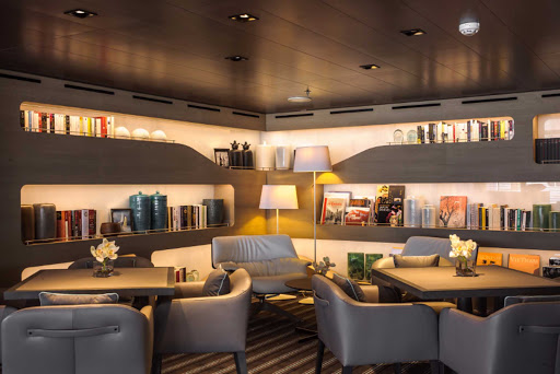 Ponant-LeSoleal-library.jpg - Spend time in the Library on Ponant's Le Soleal for some quiet reading.