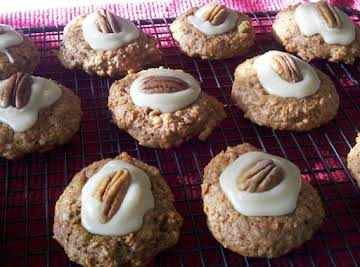 Carrot Cookies With Mascarpone Frosting