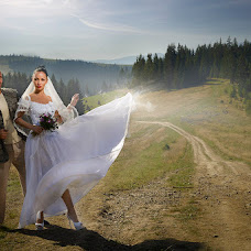 Wedding photographer Nazar Zakharchenko (nazarych). Photo of 15.11.2014