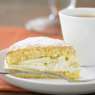 Semolina Cake with Pears and Honey Cream.