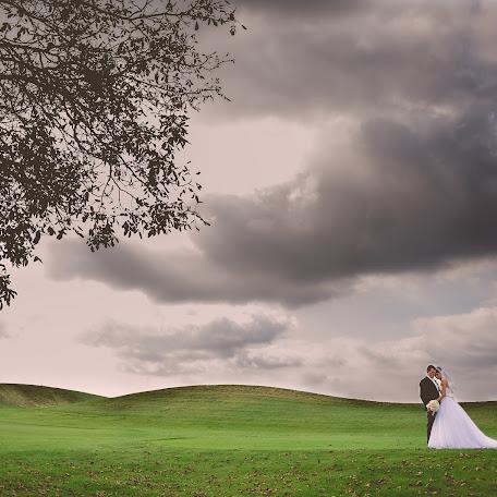 Wedding photographer Adam Husek (husek). Photo of 11.12.2014