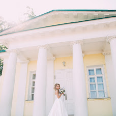 Wedding photographer Marina Sivukhina (wedhappy). Photo of 08.03.2017