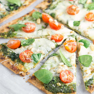 Spinach Pesto and Tomato Flatbread Pizzas