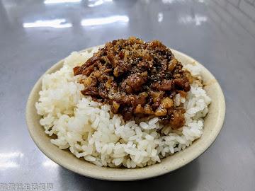 三十年老店魯肉飯肉粥
