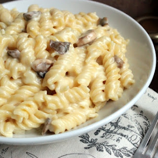 Mushroom and Truffle Sea Salt White Cheddar Macaroni and Cheese #maccheesemania.
