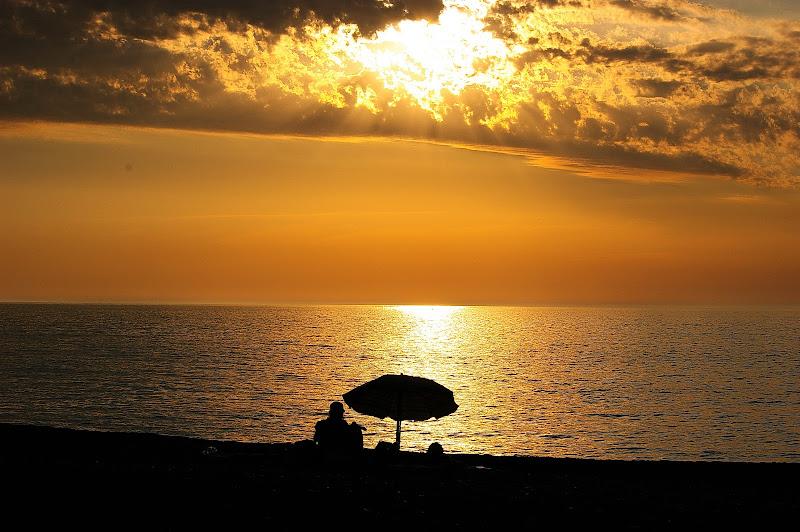 L'ultimo ombrellone sulla spiaggia di jovi55