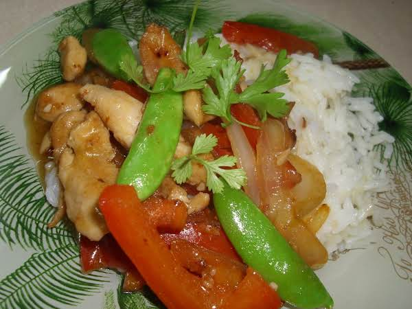 Lemon Chicken With Red Peppers And Snow Peas