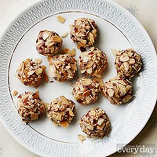 Coconutty Snowballs