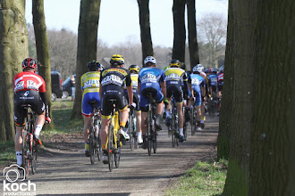 Photo: 12-03-2017: Wielrennen: Dorpenomloop: Rucphensfeer, peloton