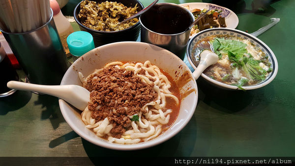 西門町。元之寶拉麵。來西門不用吃餐廳的巷口小吃推薦
