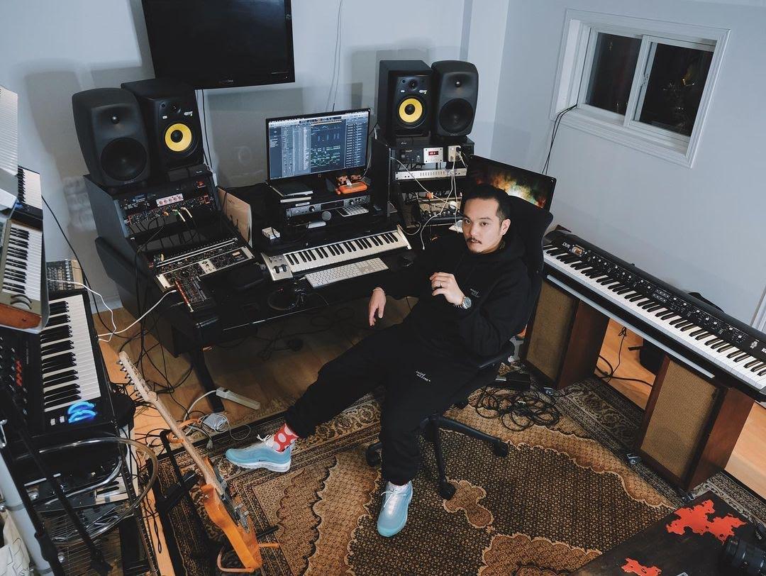 august rigo in studio
