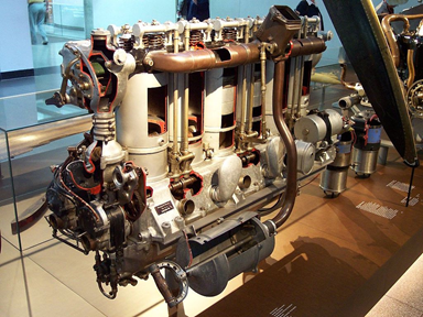 Maybach 6-cyl Water-Cooled In-Line Piston Engine