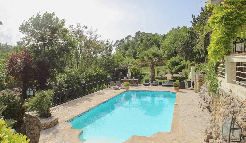 Villa avec terrasse Saint-Paul-en-Forêt