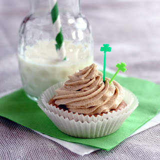 Sugar-Free Irish Coffee Frosting for St. Paddy's Day