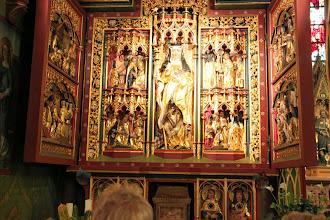 Photo: Et alter til venstre, hvor Hildegard og hendes liv er skildret.