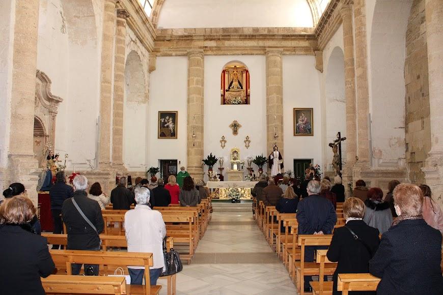 La iglesia de San Juan acogió la misa de San Antón.