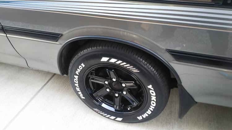 ハイエース TRH112Vの100系ハイエース,擦り傷,タイヤ交換,塗装剥がれに関するカスタム&メンテナンスの投稿画像2枚目