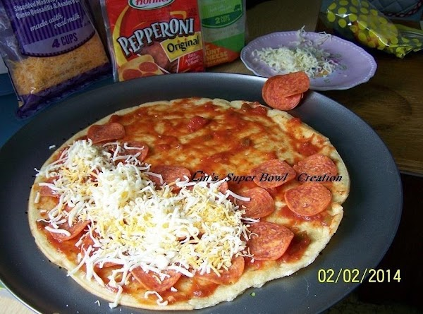 "TODAY IS ""SUPER BOWL SUNDAY"" AND I MADE THIS PIZZA AGAIN...WITH A FEW CHANGES...."