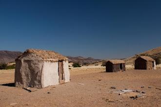 Photo: Sesfontein - abandoned village / Sesfontein - opuštěná vesnice
