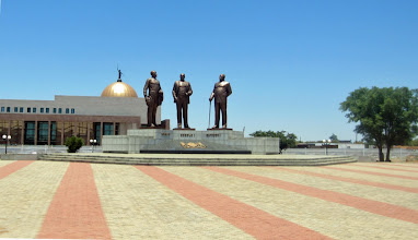Photo: The big statues from North Korea in the administrative area in Gaborone