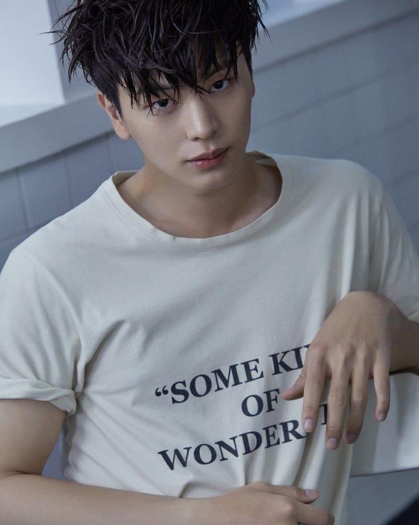 yook-sung-jae-819x1024