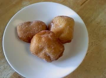 Malasadas (hawaiian style donuts)